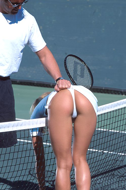 The image                                 �http://www.mykaussie.com/images/Tennis1.jpg�                                 cannot be displayed, because it contains                                 errors.